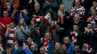 Hamilton Accies fans