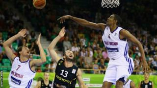 Devon van Oostrum and Kieron Achara of Great-Britain