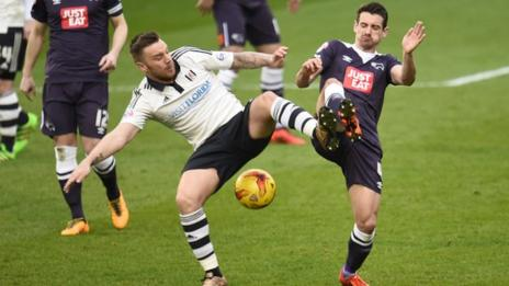 Fulham's Jamie O'Hara (left) battles with Derby's Craig Bryson
