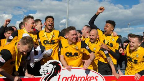 East Fife got their hands on the League Two trophy