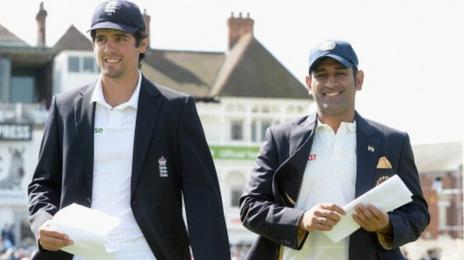 England captain Alastair Cook with India counterpart Mahendra Singh Dhoni in 2014