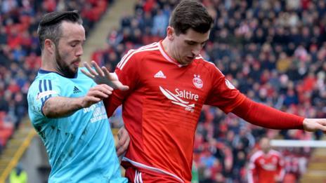Hamilton's Dougie Imrie challenges Aberdeen's Kenny McLean in their last Premiership meeting