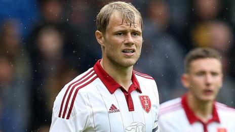 Jay McEveley in action for Sheffield United