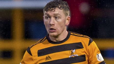 Michael Doyle in action for Alloa