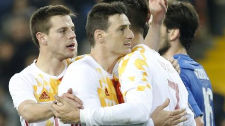 Aritz Aduriz earns Spain a draw in Italy