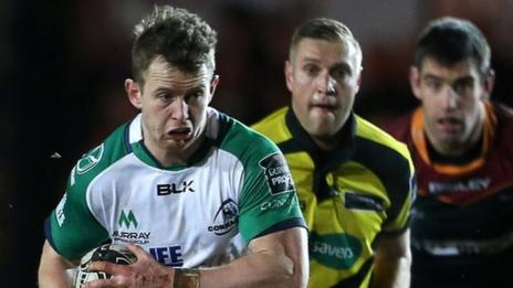 Connacht's Matt Healy heads for the Dragons' line