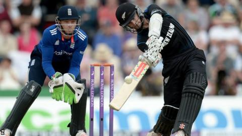 Kane Williamson batting against England