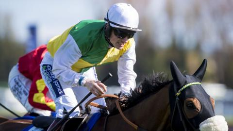 Sam Twiston-Davies rides Vicente to victory at Ayr