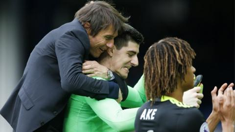 Antonio Conte and Thibaut Courtois