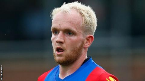 Forgotten Crystal Palace midfielder Jonny Williams signs new contract