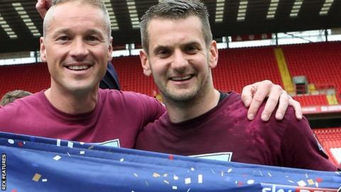 Paul Robinson (left) and Tom Heaton