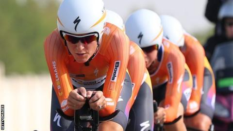 Lizzie Deignan leads Boels-Dolmans to victory