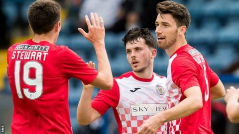 St Mirren's Lewis Morgan (centre) celebrates his goal with Ross Stewart (left) and Gregor Buchanan