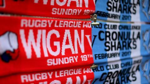 Wigan v Cronulla scarves