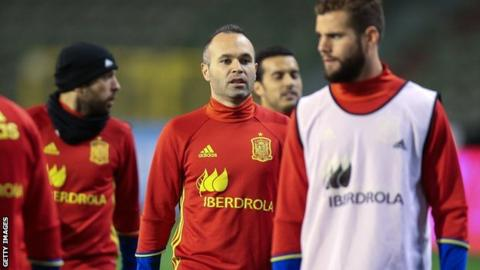Andres Iniesta (centre) was among the Spain players training on Brussels on Monday