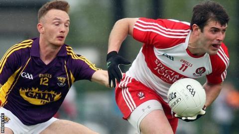 Wexford's Kieran Butler attempts to catch Derry captain Mark Lynch