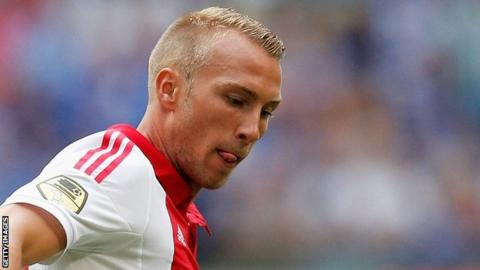Swansea sign Ajax's van der Hoorn