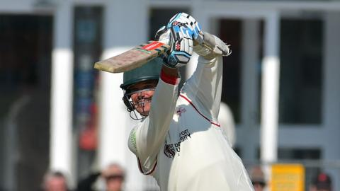 Leicestershire's Clint McKay