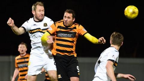 Alloa's Michael Chopra (centre) and Frazer Wright