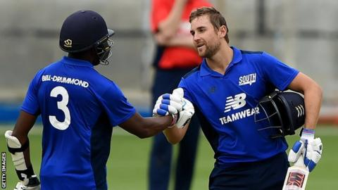 Dawid Malan (right) and Daniel Bell-Drummond