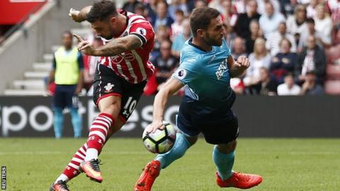 Southampton striker Charlie Austin scores for his side against Swansea