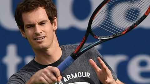Andy Murray practising at the Dubai Tennis Championships