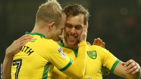 Steven Naismith congratulates Steven Whittaker after the latter scores for Norwich
