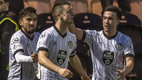 St Mirren's Stephen McGinn (centre) celebrates his goal with Stephen Mallan