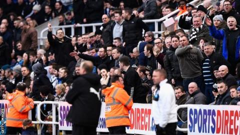 Newcastle fans shout at Steve McClaren