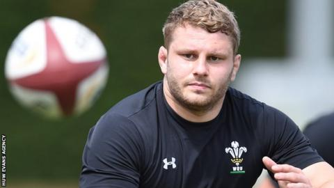 Three uncapped players as Wales name team to face Tonga