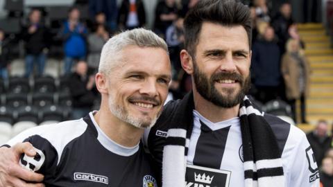 St Mirren's Jim Goodwin and Steven Thompson