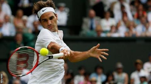 Roger Federer playing Sam Querrey