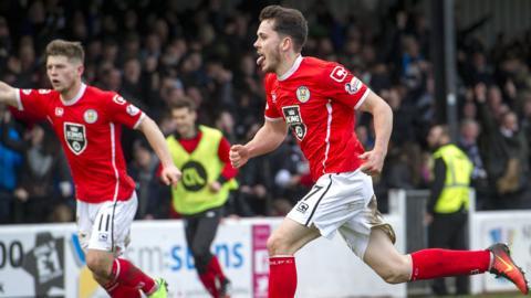 St Mirren's Lewis Morgan celebrates scoring the second goal