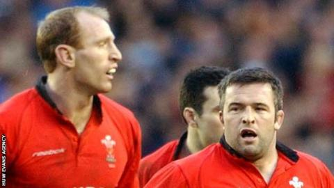 Gareth Thomas (L) scored a try in a team led by Mefin Davies (R) when Wales A last played in 2002