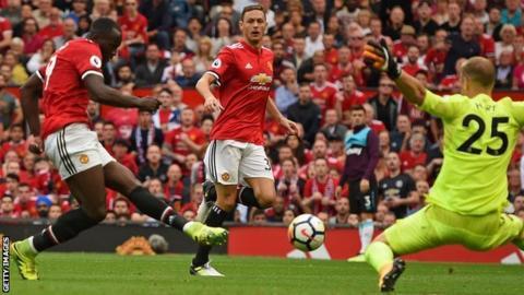 Romelu Lukaku scores Manchester United's opening goal