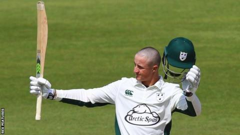 Tom Kohler-Cadmore had his head shaved for charity in support of Worcestershire team-mate Tom Fell, who is receiving treatment for testicular cancer