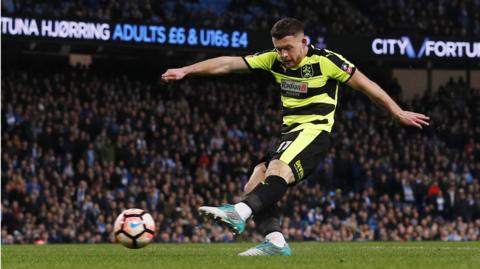 Bunn scores for Huddersfield