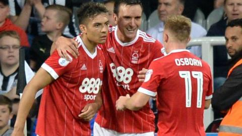 Nottingham Forest celebrate Tyler Walker's goal