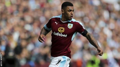 Watford agree £11.5m deal to sign Burnley's Gray