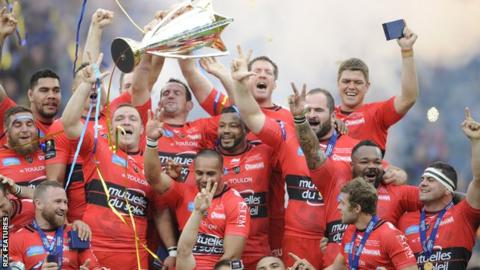 Toulon celebrate their third Champions Cup victory in a row