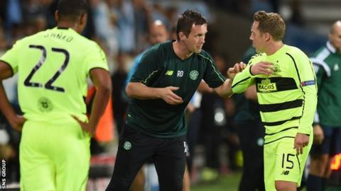 Manager Ronny Deila passes on instructions to Kris Commons