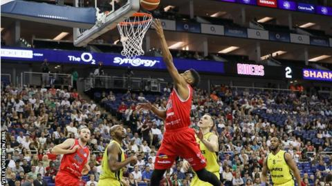 Leicester v Sheffield in the 2016 BBL play-off final