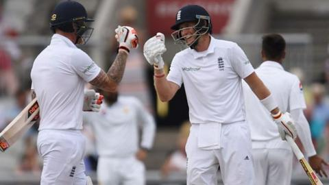 Joe Root goes to 200 with 'tremendous' reverse sweep