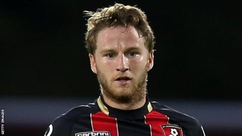 Leeds United sign Eunan O'Kane from Bournemouth