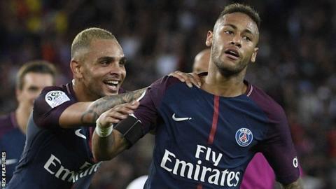 PSG forward Neymar celebrates