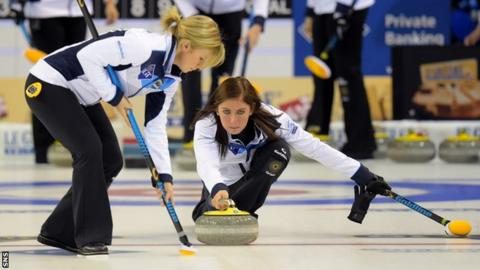 Team Canada improves to 4-0 at world women's curling championship
