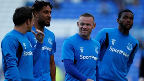 Wayne Rooney and his Everton teammates