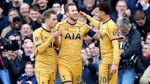 Harry Kane celebrates goal