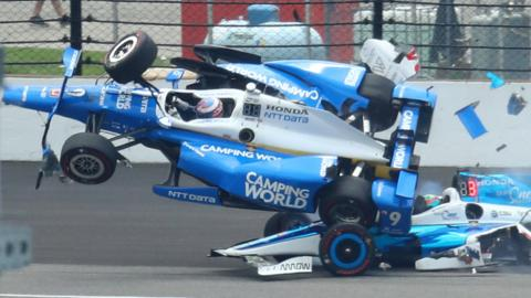 Scott Dixon crashes