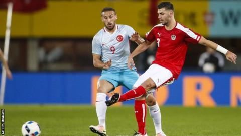 Aleksandar Dragovic: Leicester sign Bayer Leverkusen defender on loan